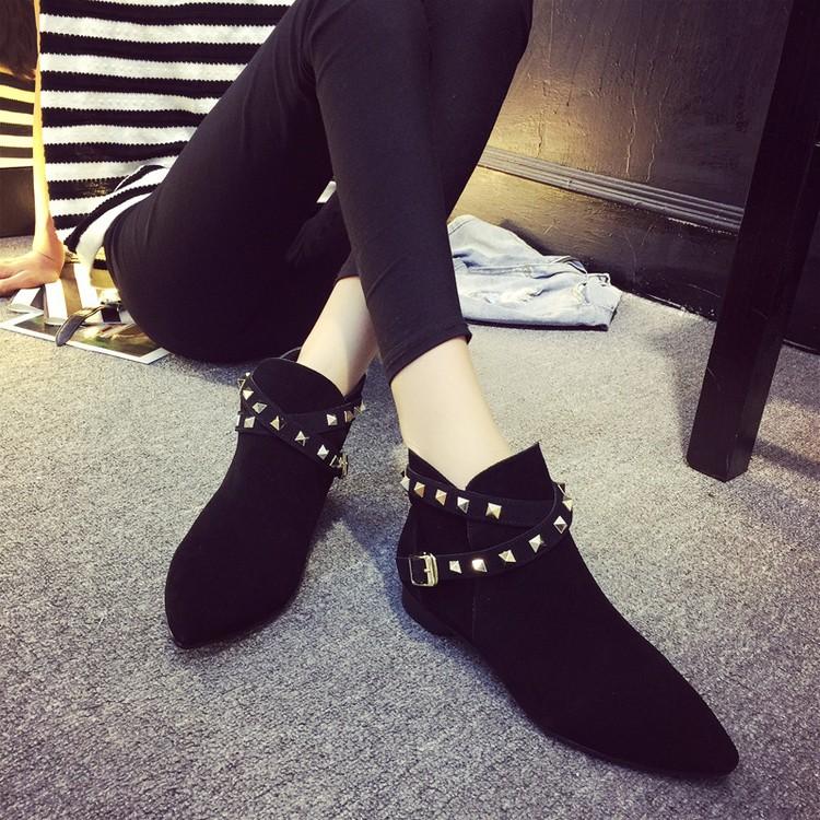~印象閣樓~✨女短靴 絨面 女鞋鉚釘粗跟尖頭裸靴高跟馬丁靴潮及踝靴