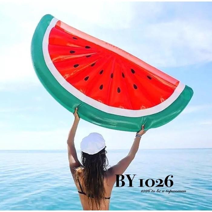 1026 休閒度假海邊沙灘泳池超大水果半透明半片西瓜加大款救生圈 戲水游泳圈充氣浮圈水床浮