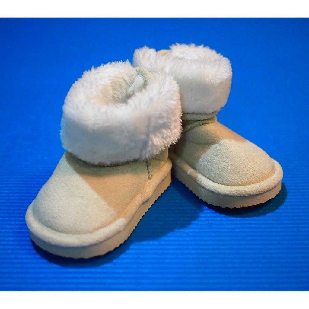[賠售 ]瑞典H M 超俏皮保暖小雪靴小短靴學步鞋尺寸2 5 3 5 米白色