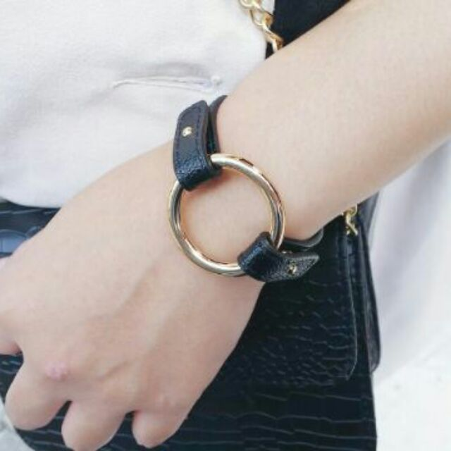 韓國 金圓圈黑皮革手環 款金屬手環特殊手環