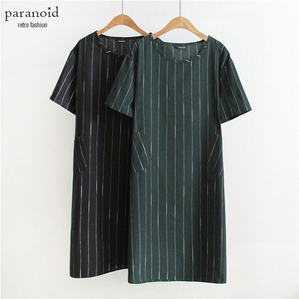 條紋洋裝短袖洋裝原單日系簡約直條紋純棉圓領口袋寬鬆中長版短袖洋裝(墨綠、黑)D449 【P