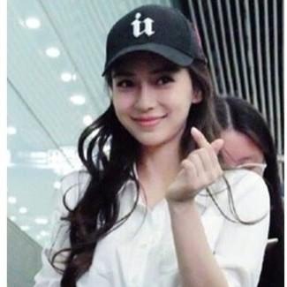 P T Fashion ~新品 ~~ baby 同款U 字元素拼色帽子棒球帽情侣帽子~棒球