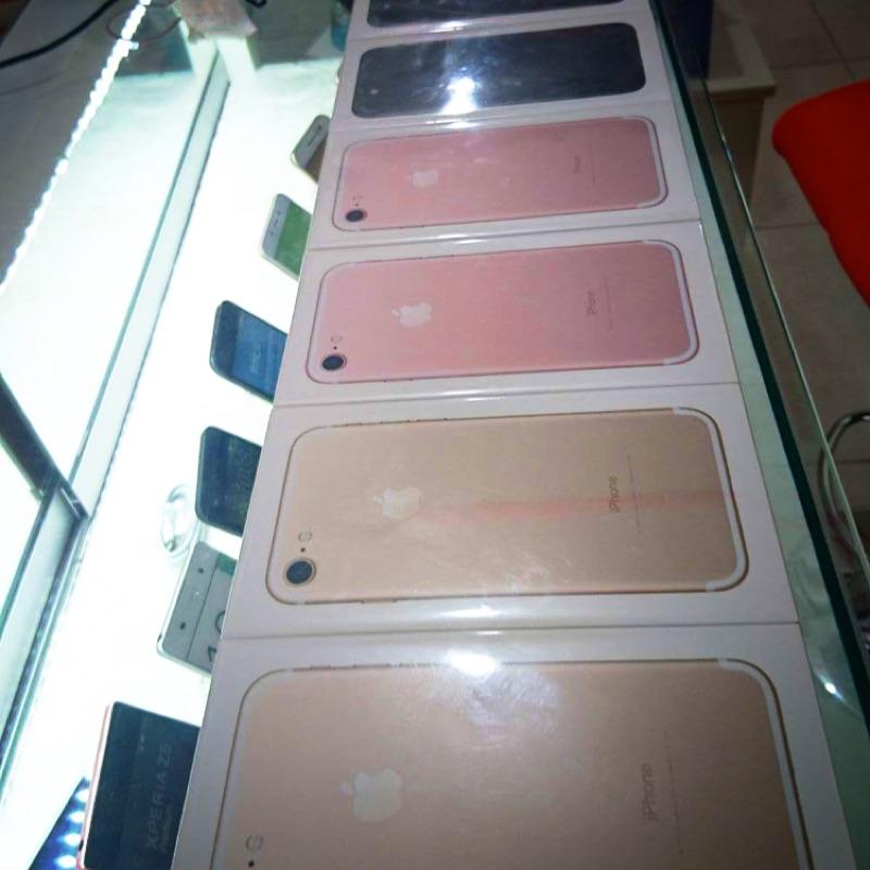Iphone7 128G 黑粉金