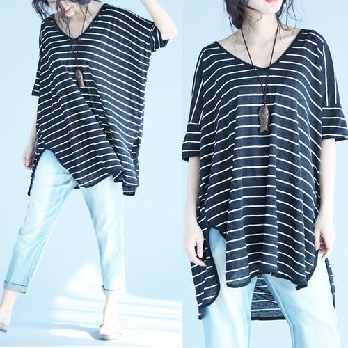 ~大量 ~~小YO 韓系 衣館~ 超大V 領蝙蝠袖開叉镂空半透T 恤女短袖寬松針織衫女體恤