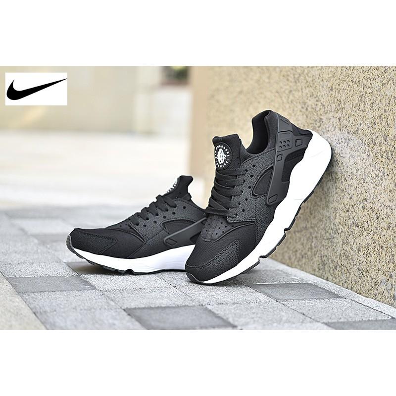 经典再现Nike WMNS Air Huarache 華萊士黑白武士全黑熊貓慢跑鞋6348
