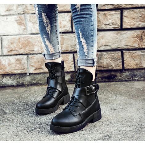 春秋 復古英倫風原宿機車靴鏤空金屬搭扣黑色中跟馬丁靴女