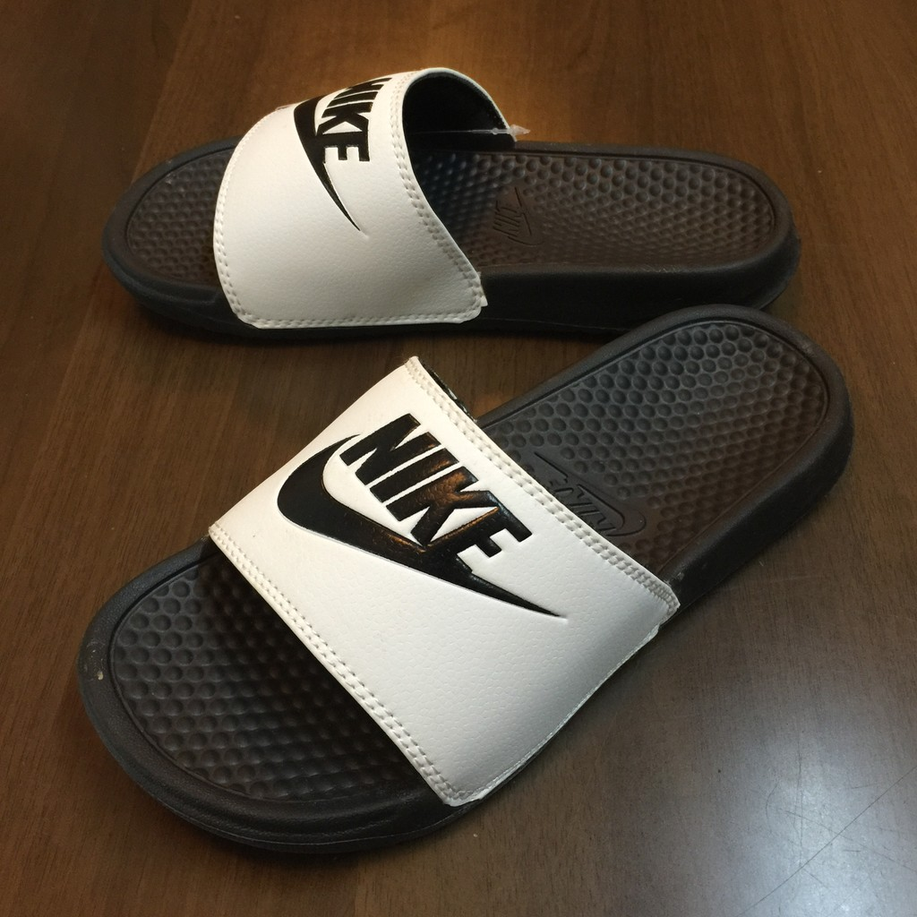 結業 超 Nike Benassi Swoosh 白底黑英文GD 權志龍著休閒百搭男女款情
