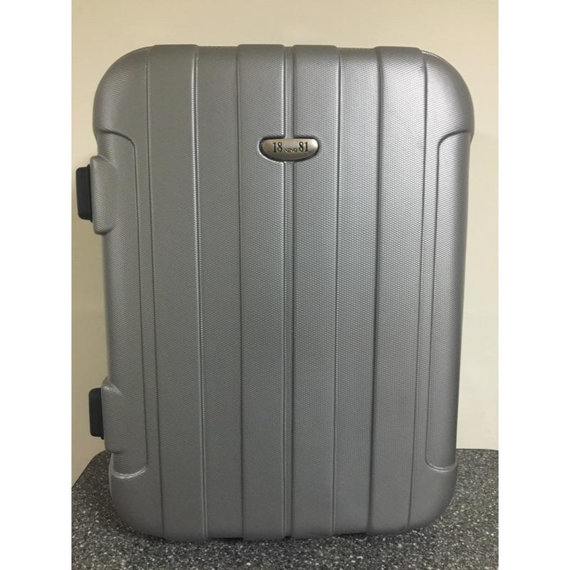 NINO1881 硬殼行李箱登機箱,9 成新