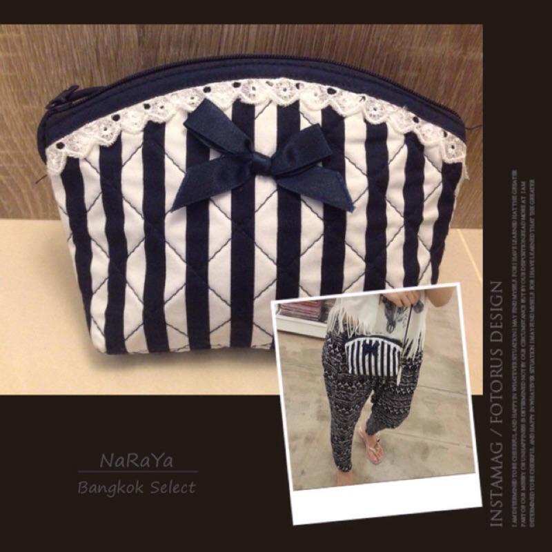 曼谷NaRaYa 花色藍白直條紋背帶斜背包側背包