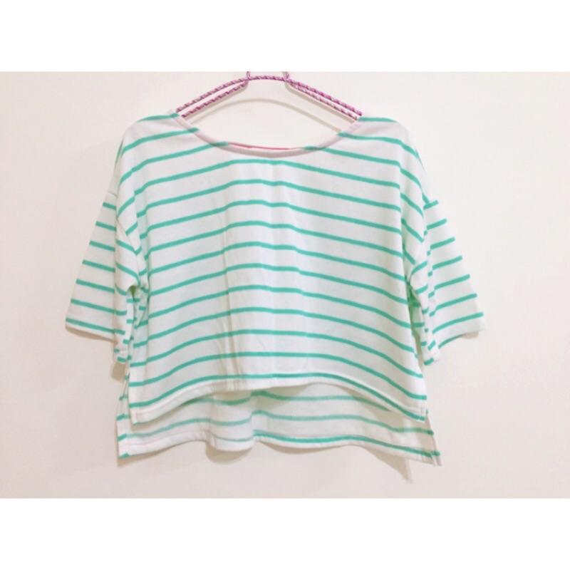 Lulus 側開衩橫條前短後長短版上衣T 恤