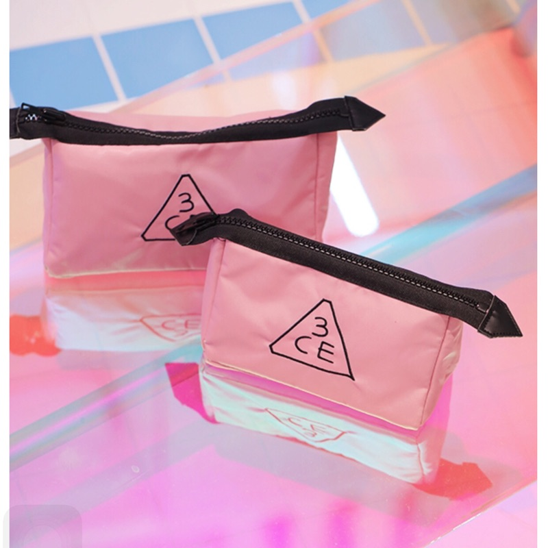 ( )韓國3ce 大容量化妝包~10 月 款牛奶粉色化妝包~防潑水尼龍 大號化妝包洗漱包收