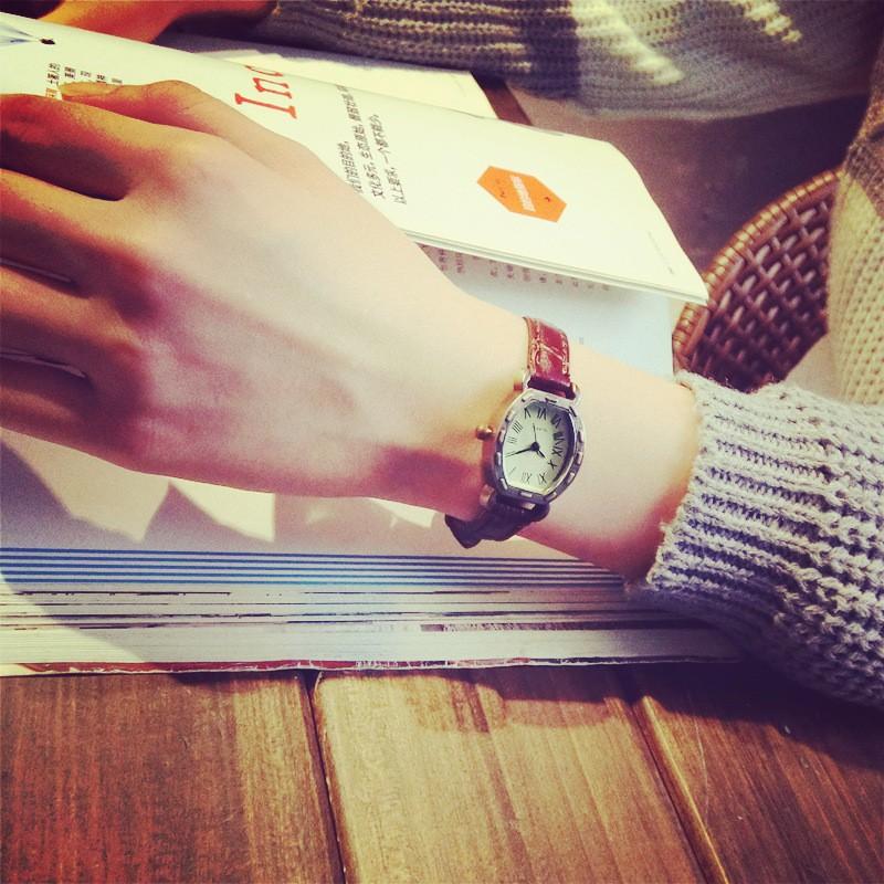 韓國潮流學生森女表復古簡約真皮帶方形酒桶型石英手表小表盤防水