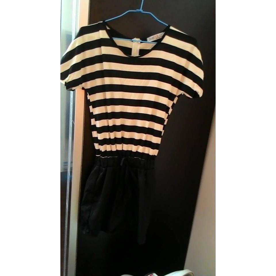 女裝條紋連身褲連身短褲黑相間米黃色