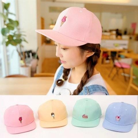 韓國 可愛刺繡水果系列草莓冰淇淋蛋糕精緻純棉棒球帽平沿帽嘻哈帽子K131