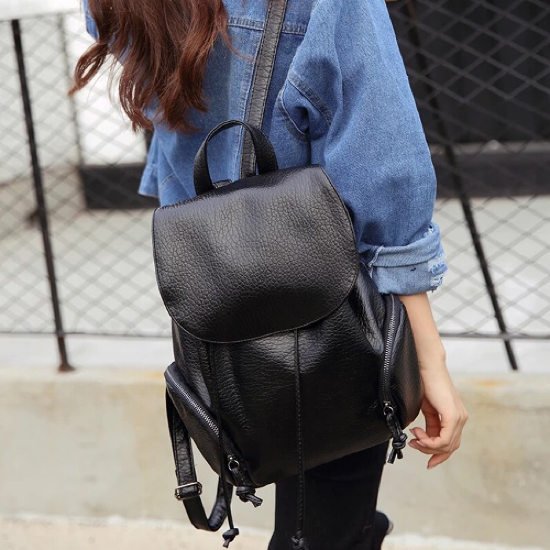 mi 簡約黑色後背包‼️超低 ‼️
