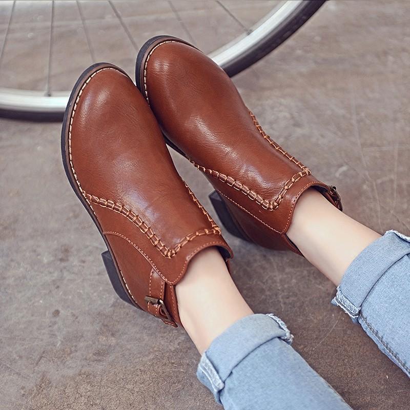 ~藝訪依閣~短靴女春秋單靴平底馬丁靴女復古英倫風學生短筒平跟女靴子圓頭潮