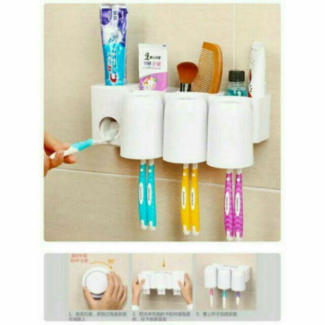 吸盤牙刷架牙膏座 三口杯子真空擠牙膏自動擠牙膏三杯架套裝漱口杯置物架吸盤浴室免鑽孔掛鉤