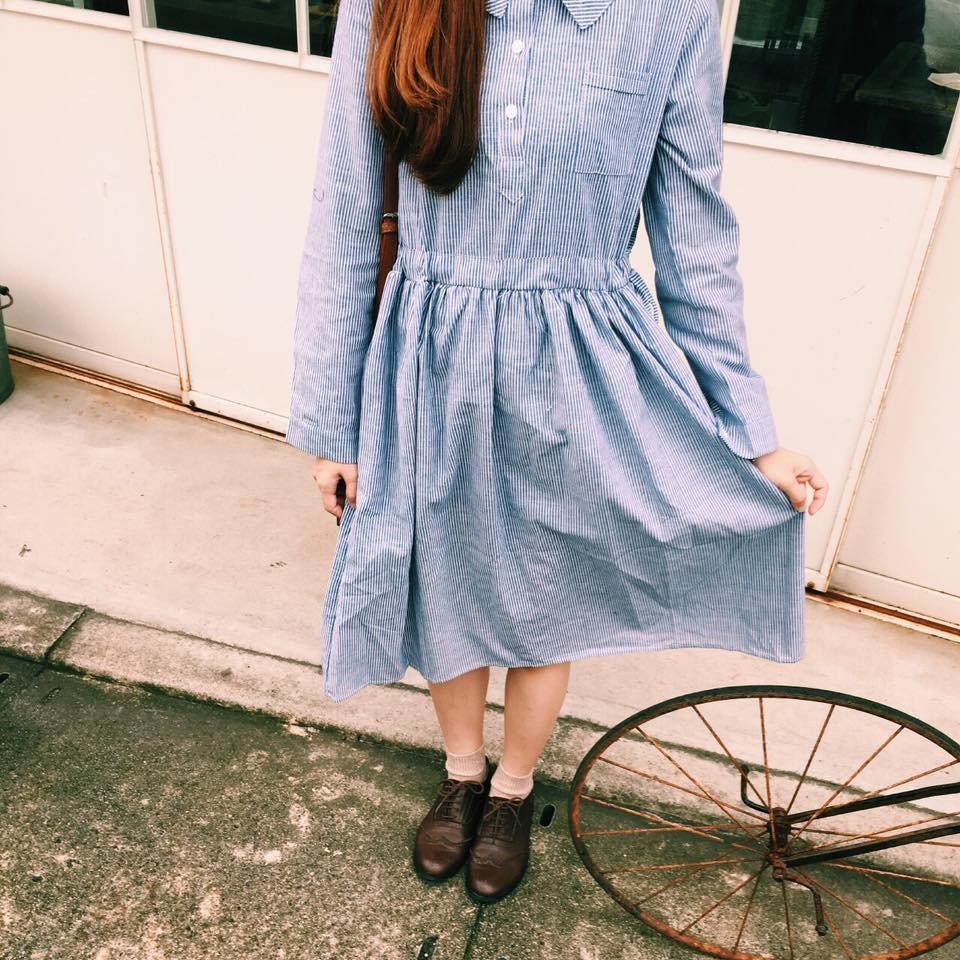 ➣nitt 藍色條紋洋裝這款洋裝腰身的部份有做抽繩, 自己綁噢!比鬆緊帶的款式穿起來舒服很