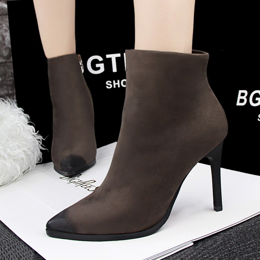 8221 1 復古 風簡約細跟高跟絨面尖頭性感夜店顯瘦短靴及裸靴