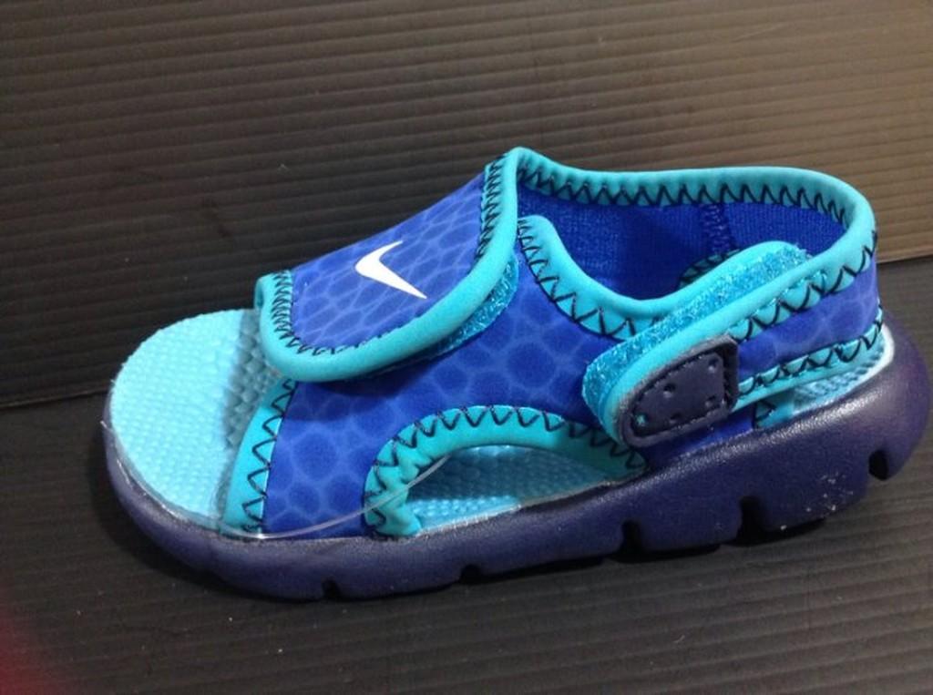 Nike kids 兒童中童黏貼帶涼鞋海灘戲水涼鞋17cm 22cm