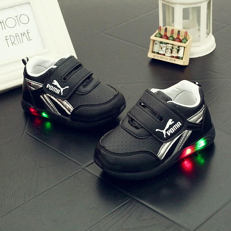 女童燈鞋寶寶發光 鞋男童軟皮閃燈夜光亮燈鞋1 2 至3 歲