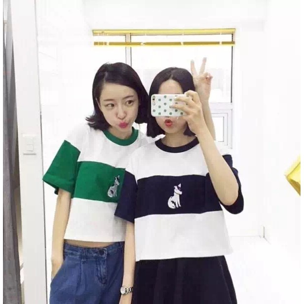 正韓系女生短袖t 恤卡通刺繡短袖上衣拼色U 領純棉大學t