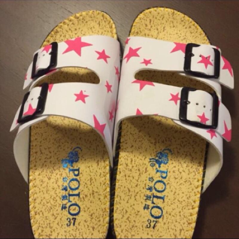 白底粉色星星金屬扣飾雙粗帶厚底勃肯涼鞋