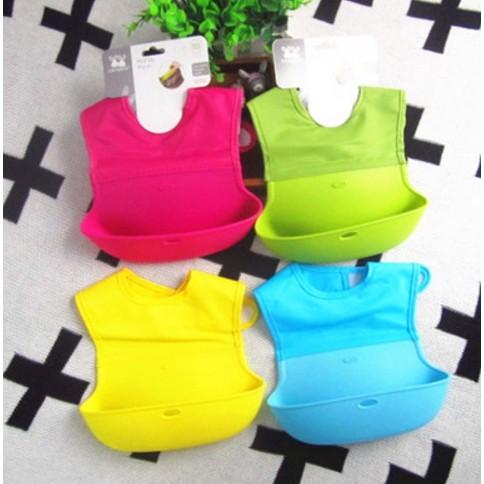 寶寶吃飯圍兜矽膠可折疊可攜帶方便可加購收納袋