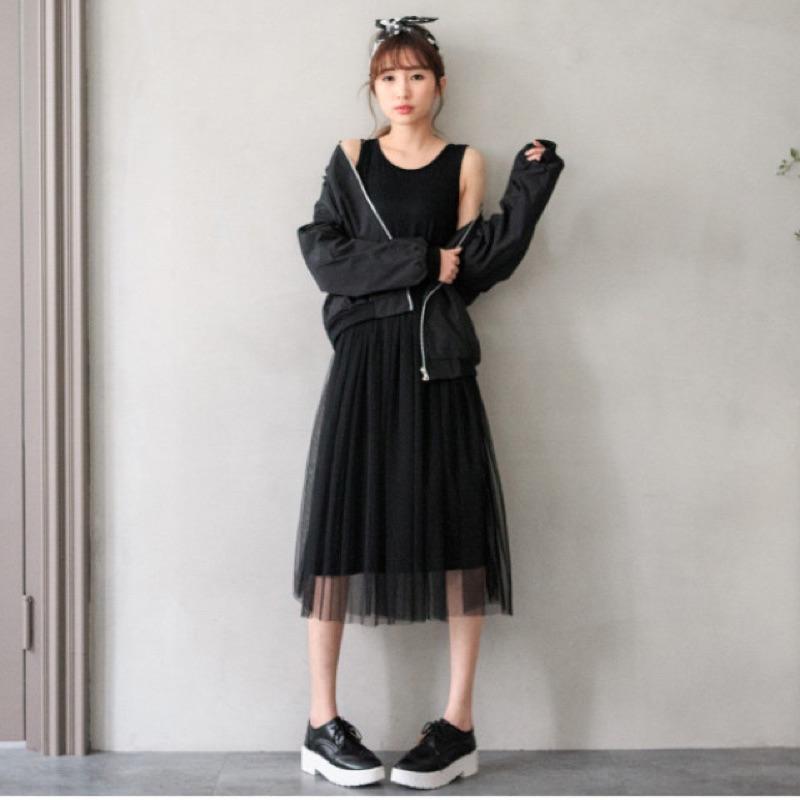 寬肩帶背心式紗網蕾絲長版洋裝