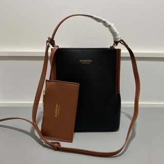 巴寶莉/ burberry 購物袋 爆款Canvas素色皮革手提包 斜背包 大容量水桶購物包 時尚女士肩背包包