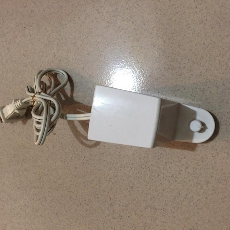 二手BRAUN 德國 百靈牌 Oral-B 歐樂B 3D電動牙刷充電座 白色充電器 (type 4728)台北面交