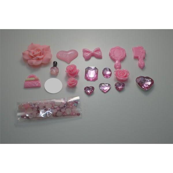 【現貨】[ 全面出清滿100元出貨 ] 安娜蘇 Anna Sui 粉色18件*手機貼鑽材料*貼鑽公仔*貼鑽素材材料包