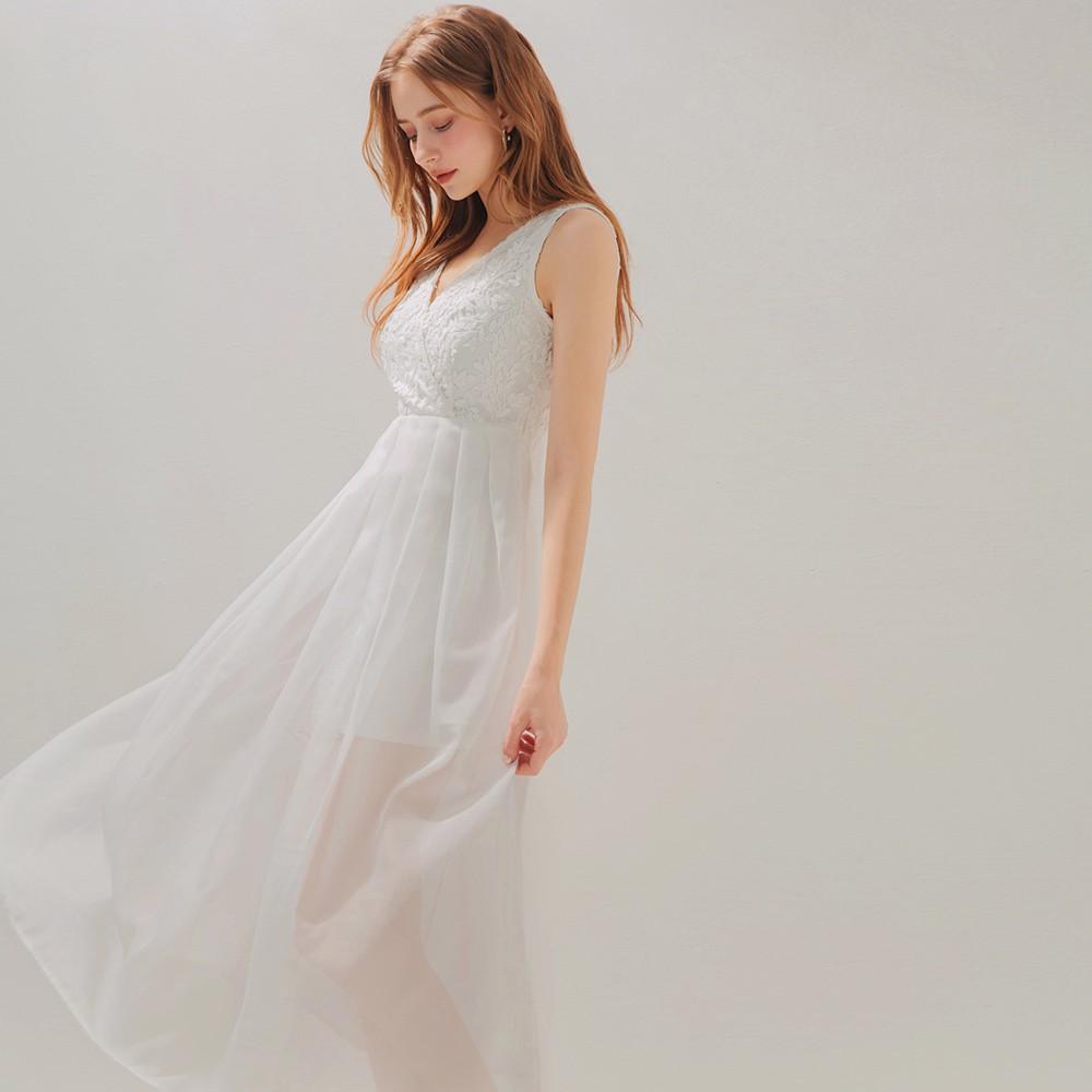AIR SPACE V領蕾絲打褶透紗長洋裝(白)