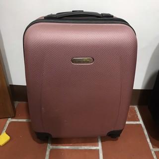 岡山可面交二手LANDYB時尚18吋行李箱大約18到19吋登機行李箱。單手操作輕巧簡便小型行李箱 高雄市