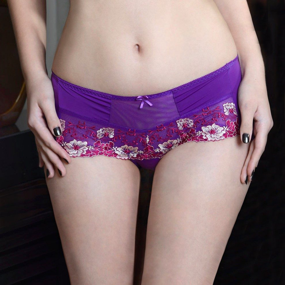 WEALTH 刺繡蕾絲平口褲(貨號0011)