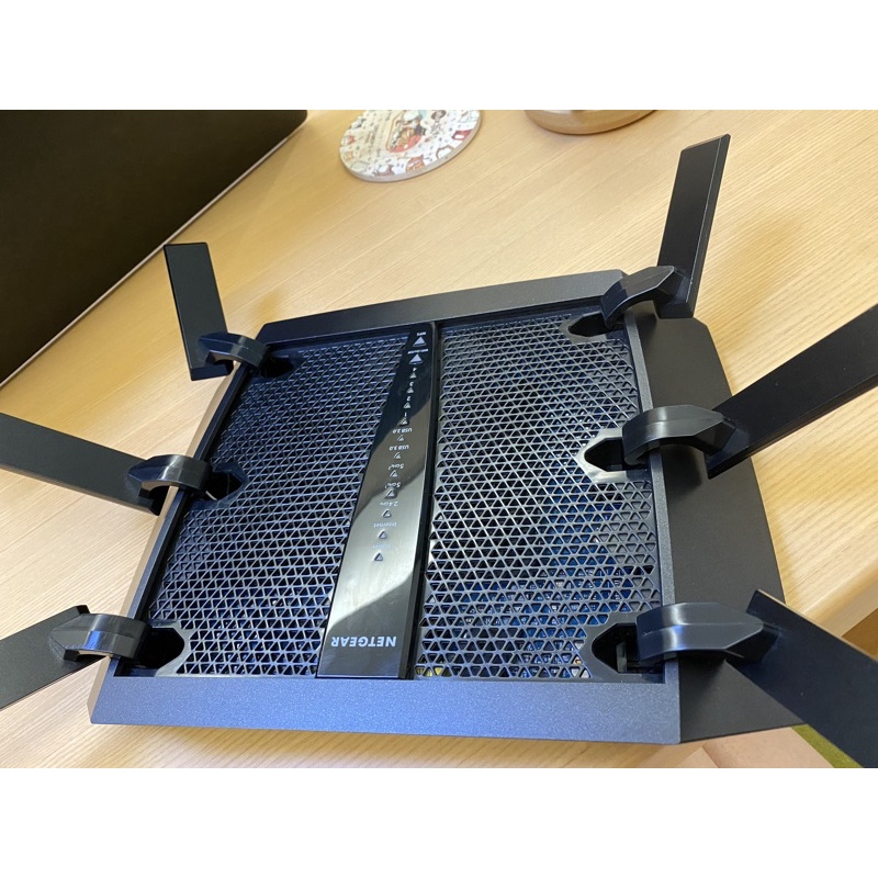 NETGEAR 無線路由器 – R8000P