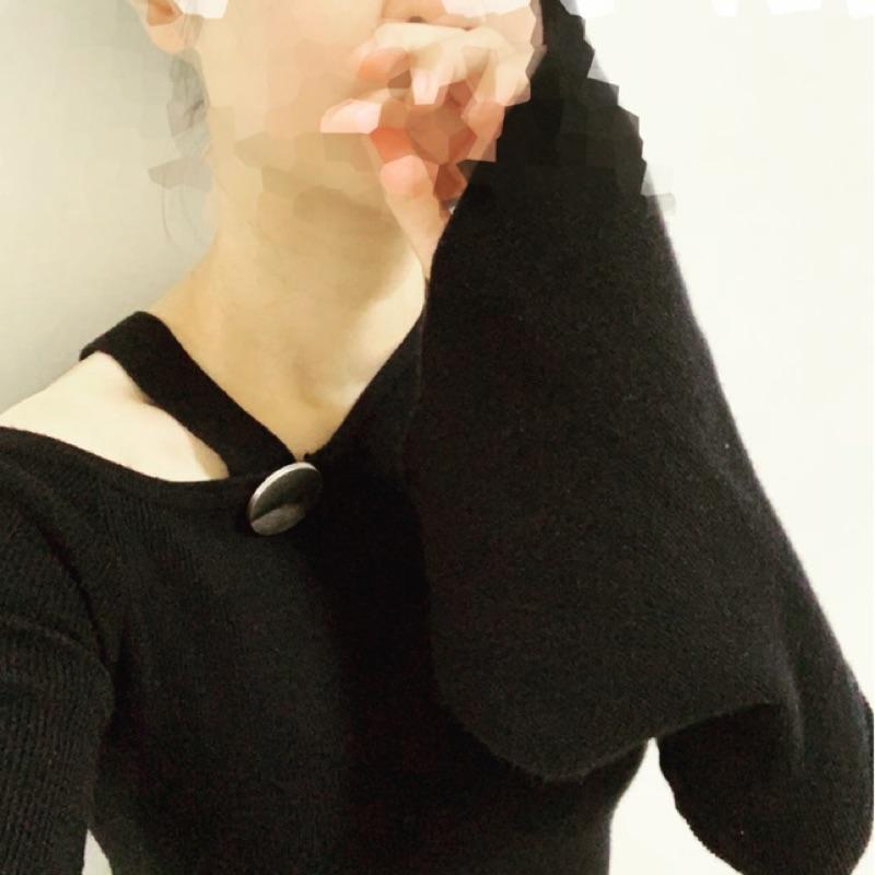 二手 黑色舒適彈性設計針織上衣 適合S至小M