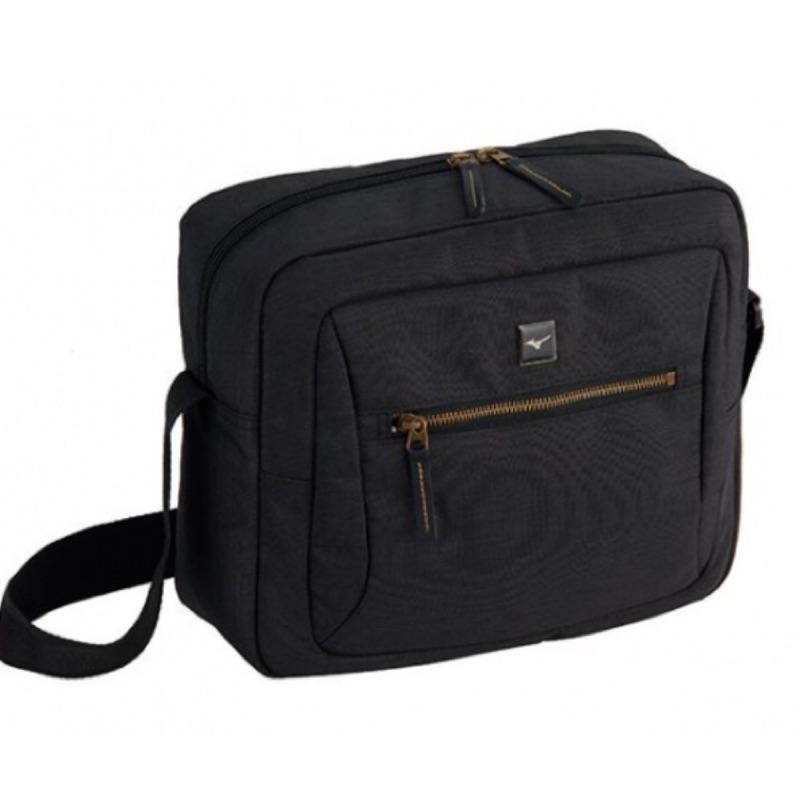 [MIZUNO] 中款運動休閒側背包 肩背包 黑色 33TS9A5209《曼哈頓運動休閒館》