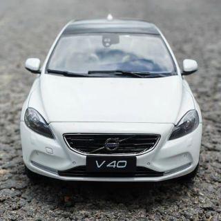 🔥蝦皮最便宜 1:18 1/ 18 Volvo V40 T4 富豪 合金模型車 白色 棕色 免費客制化車牌 擬真模型