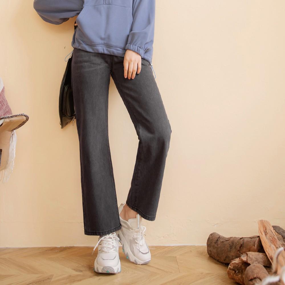 高含棉率性刷色打褶牛仔寬褲 《KG0972》