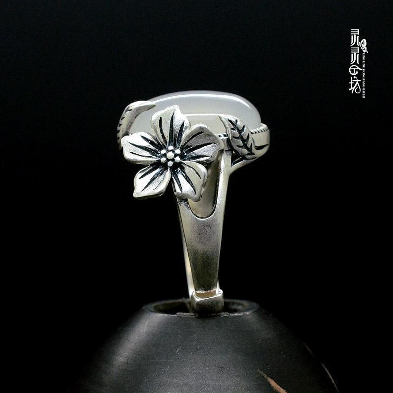 雪胎梅骨原创新款纯银梅花天然白玉髓玉戒指女玉石复古戒足银包邮