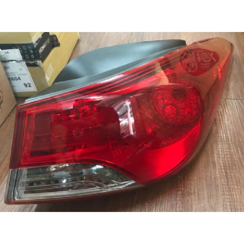 現代 五代Elantra EX 原廠尾燈 舊款燈泡尾燈 一組,韓國原廠也有拆賣