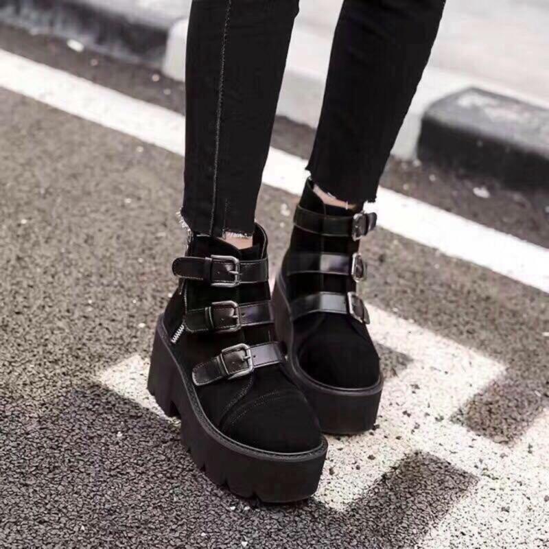 韓國黑色皮革扣環短靴