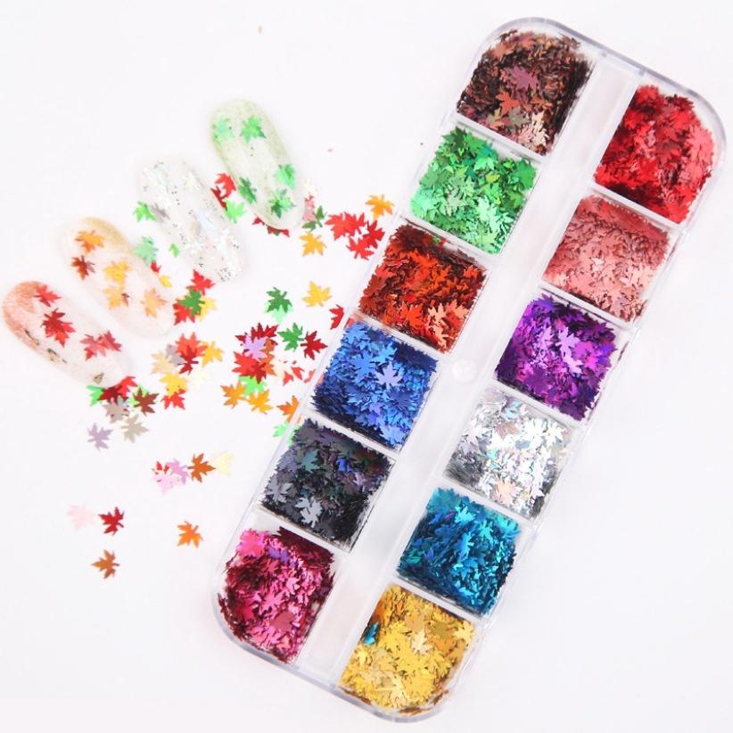 1套用於指甲藝術裝飾Diy修指甲配件的彩色楓葉形狀亮片