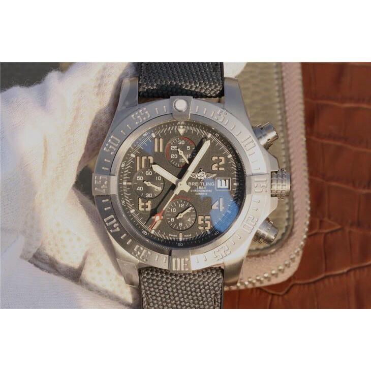 全新Breitling 百年靈 復仇者系列 全自動機械腕錶 鈦金屬錶殼 男錶  免