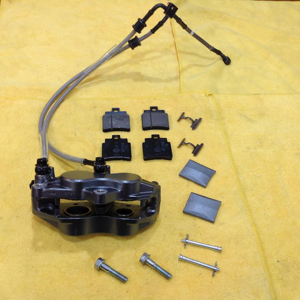 SYM GTS300i ABS,鈦灰色前卡鉗組,含油管、卡鉗螺絲,新車拆車品,當二手品賣