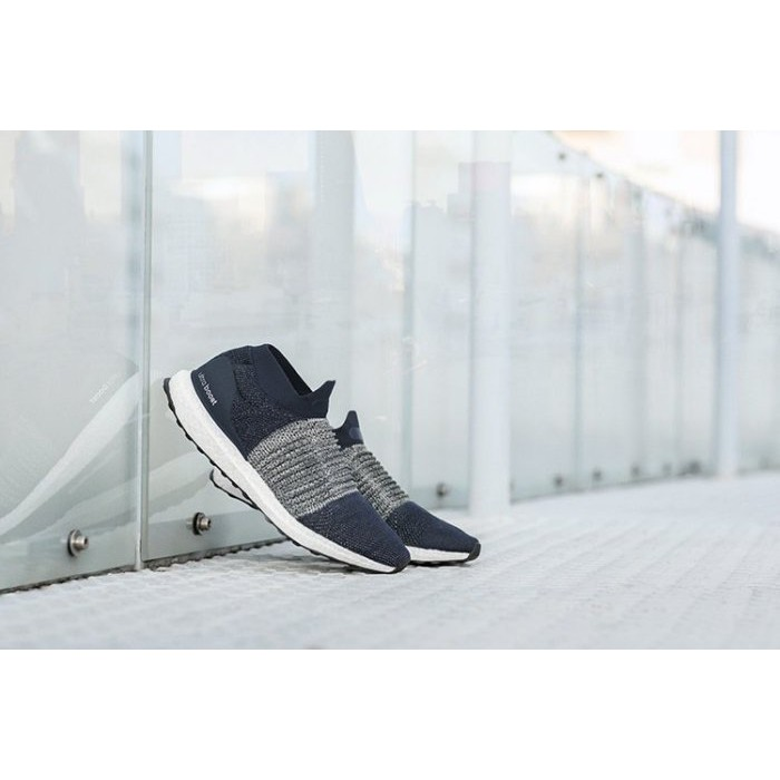 best website 25dd9 6eda3 Adidas Ultra Boost Laceless 深藍 慢跑 編織 襪套 英國公司貨 BB6135