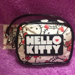 全新正品日本🇯🇵HELLO KITTY隨身提包/ 化妝包/ 相機包 SANRIO 新北市
