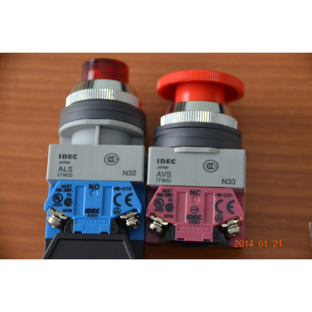 IDEC 和泉 ABW401R 大頭按鈕開關22mm  1b