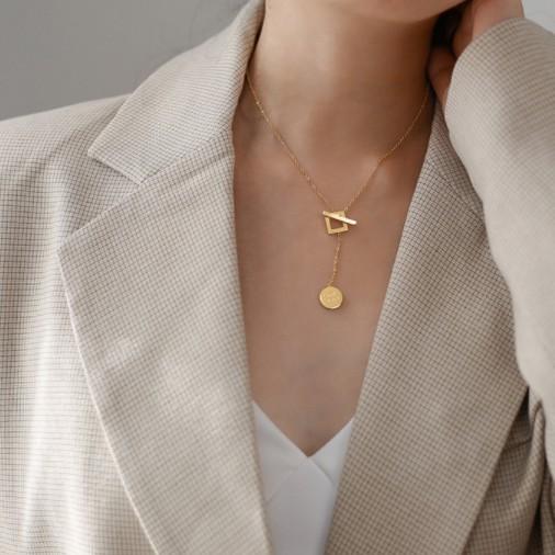 網紅幸運項鍊女英文方形鎖骨頸鍊時尚氣質個性小眾設計感脖子飾品A1052